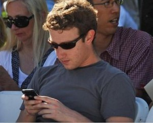 mark-zuckerberg-iphone-5